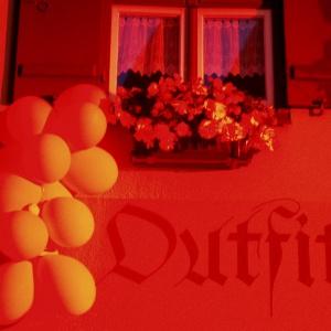 DKB in Rot