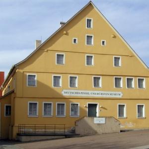 Deutsches Pinsel- und Buerstenmuseum
