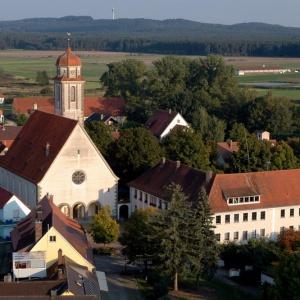 Luftbild Bechhofen - Johanniskirche mit Rathaus
